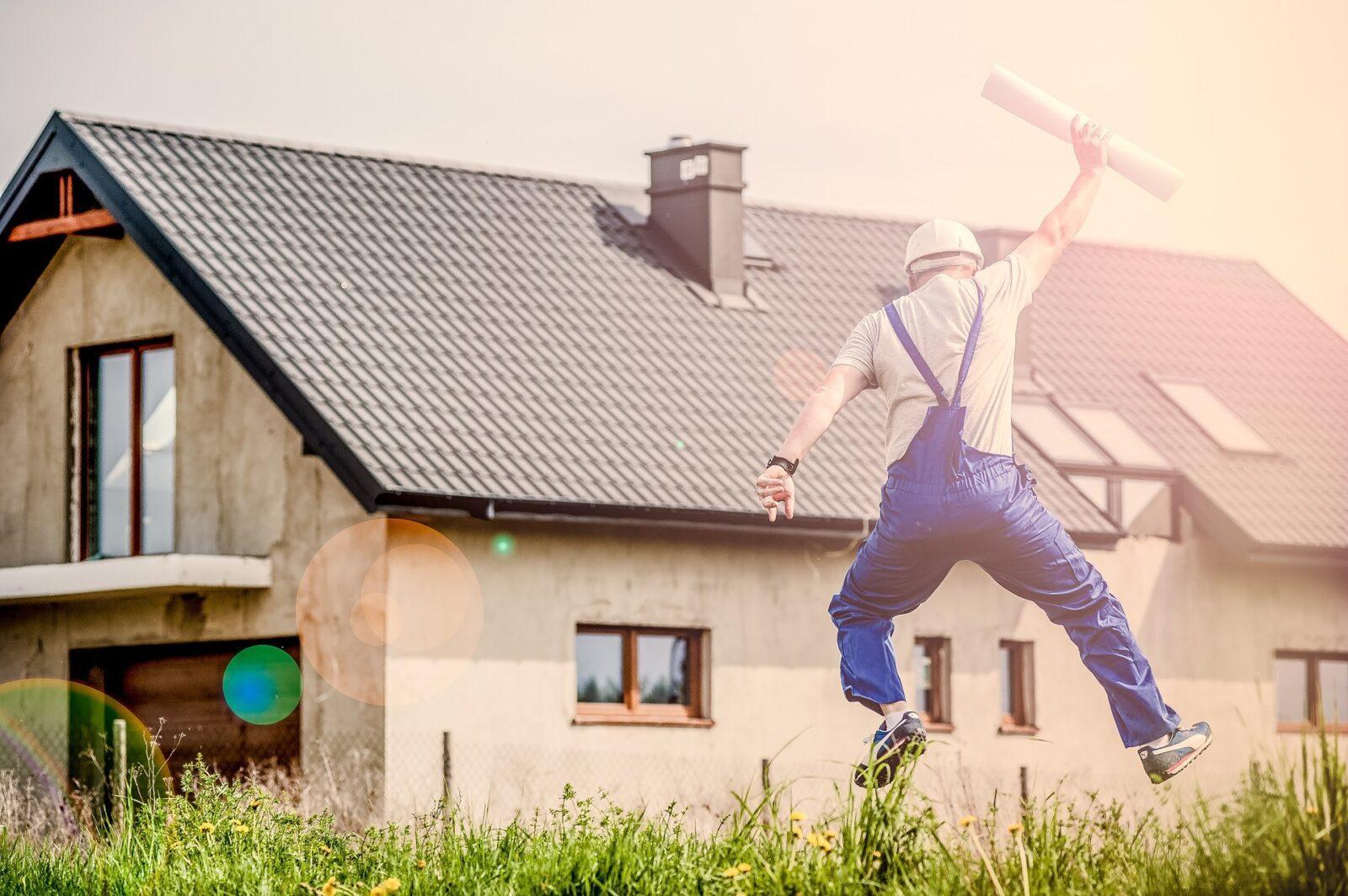 Nie wiesz, czym ogrodzić plac budowy domu? Wybierz ogrodzenia przenośne