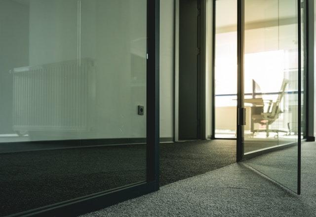 Drzwi szklane do biura