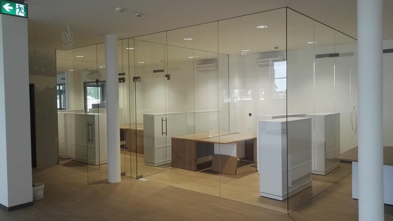 Drzwi wahadłowe szklane do biura